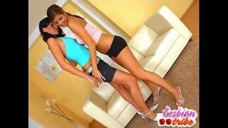 beautiful lesbians teen girls love to lick pussy